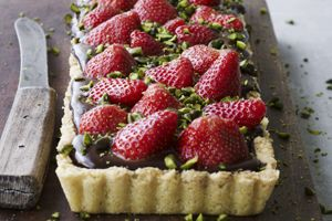 Tærte med jordbær og chokolade -