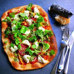 This PizzaExpress pizza packs a southern Italian punch with its hot Calabrese sausage, fresh chillies, roquito peppers and spicy, soft nduja sausage. This is the only rectangular pizza on the PizzaExpress menu, created in honour of chef Francesco Mazzei's grandmother, who believed pizzas should be this shape.