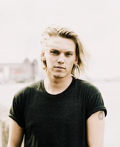 """""""If I couldn't do both it would ruin me"""" Jamie Campbell Bower about music and acting"""