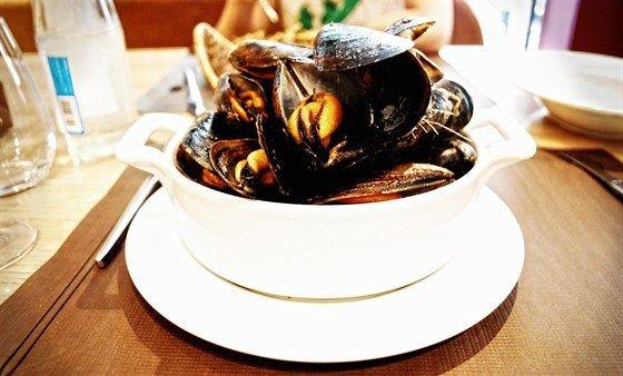 Мидии по средиземноморскому рецепту рецепт – средиземноморская кухня: основные блюда. «Афиша-Еда»