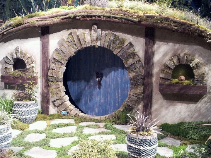 17 best ideas about hobbit door on pinterest hobbit for Porta hobbit