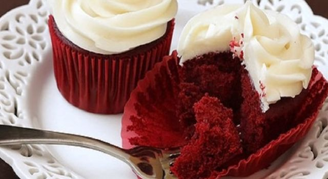 Skinny Mini Red Velvet Cupcakes | Weight Watchers Recipes