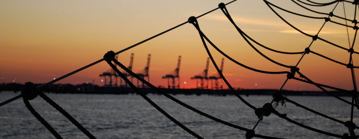 American Rover Sailing Cruises Norfolk Virginia, Harbor Tours, Sunset Cruises, Special Events, Private Parties, Weddings Only 30 Minutes from Virginia Beach