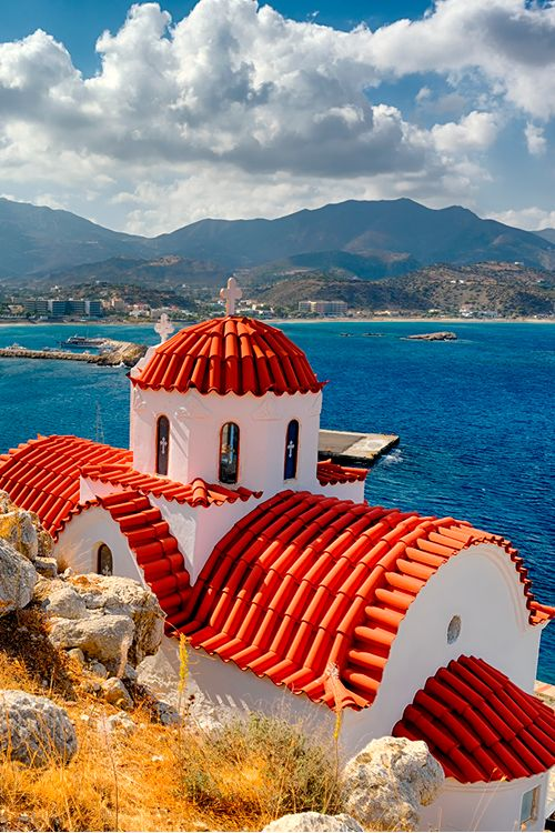 Found in the southeastern Aegean Sea, Karpathos holds Greece's highest annual mean temperature of 20.1 °C #Greece