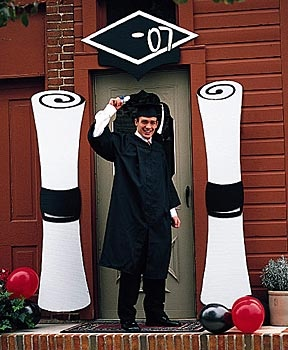 Graduation DecorationsHigh Schools Graduation, Graduation Decor, Grad Parties, Front Doors, Graduation Ideas, Front Entrance, Parties Ideas, Graduation Parties, Parties Decor