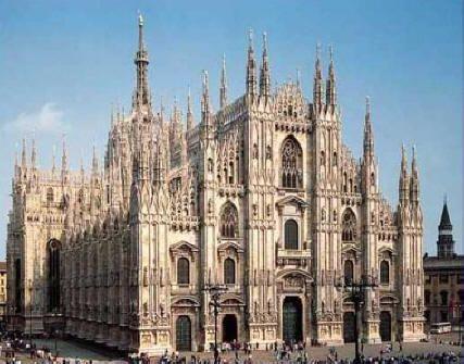 Architecture Gothique • 1400 au XVIe siècle Duomo, cathédrale de Milan
