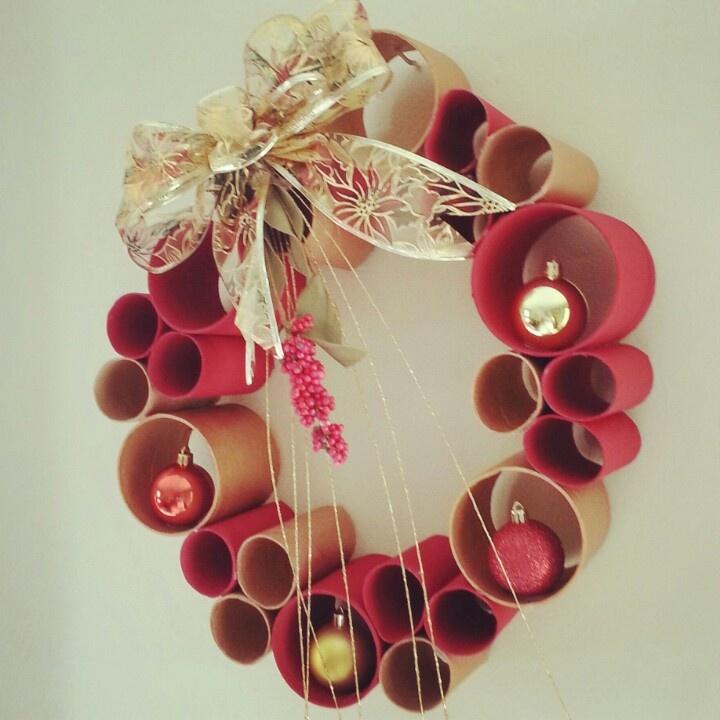 Hermosa corona navideña. Pedidos a dydeas@gmail.com c2500