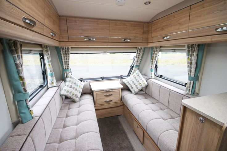 Elddis Xplore 586 Internal