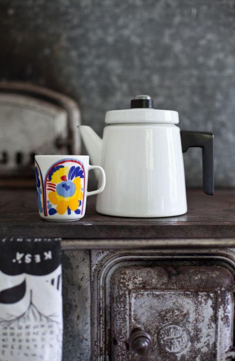 Marimekko's Oiva - Karuselli mug. From the blog Vihreä talo.