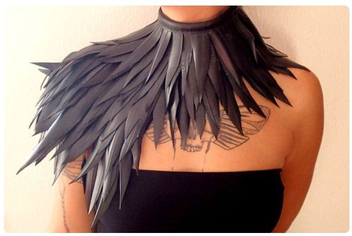 Feather neck piece