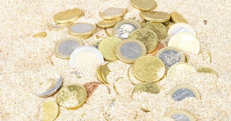 Gemeine Geldgeschenke sind eine tolle Möglichkeit, das eigentlich wenig einfallsreiche Hochzeitsgeschenk etwas aufzupeppen. Ob Pfandflaschen oder Sand – gemein ist so allerhand.