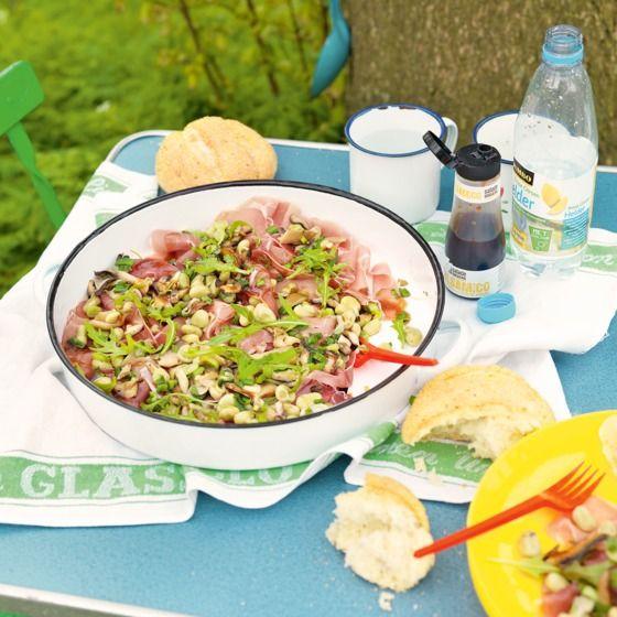 Carpaccio van rauwe ham met paddenstoelen en tuinbonen Productfoto ID Shot 560x560