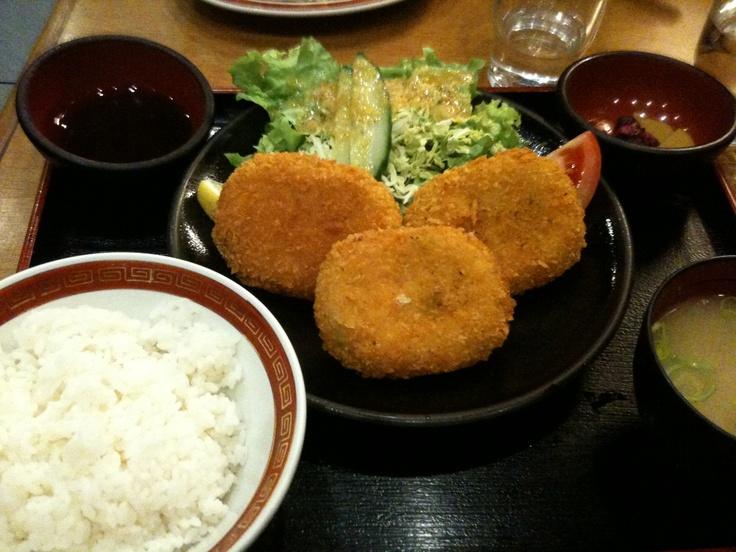 Beignets de légumes, riz, soupe miso