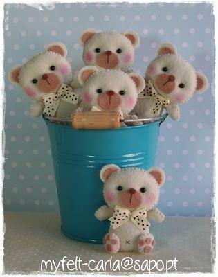 Adorable felt teddies - cute! | Feltro | Pinterest
