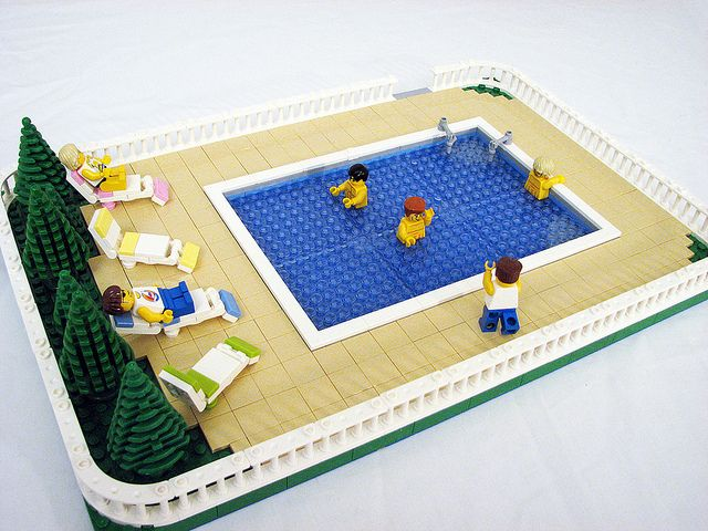 17 best images about lego idee n on pinterest lego tray diy lego table an - Idee construction lego ...