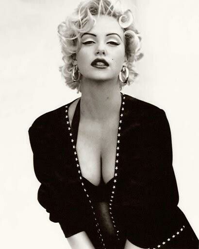 "MEMORABILIA: Marilyn Monroe photography ""Hot with Style"" rare poster  Marilyn Monroe"