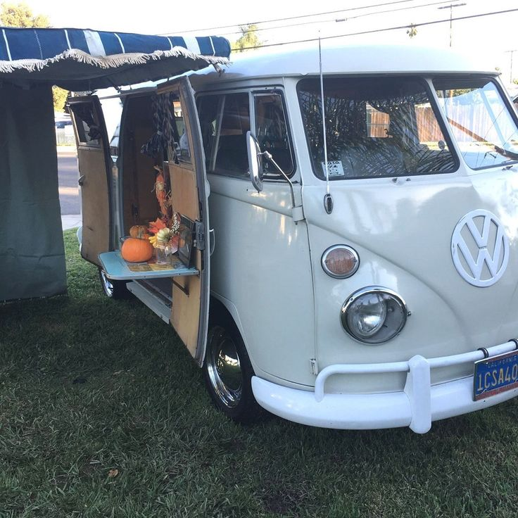 1966 Volkswagen Vanagon Bus Westfalia VW Camper Van