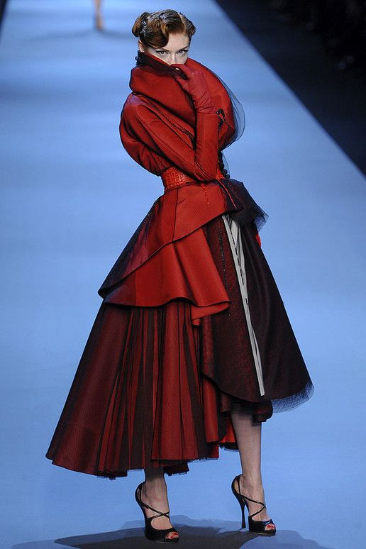 CHRISTIAN DIOR Spring 2011 Haute Couture Photo. Gives the term 'lady in red' an even more alluring twist