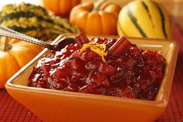 Made with fresh cranberries and real ingredients, this homemade cranberry compote is going to win over everyone at your Thanksgiving dinner.