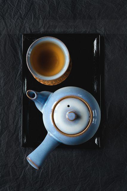 お茶。ほうじ茶かな?