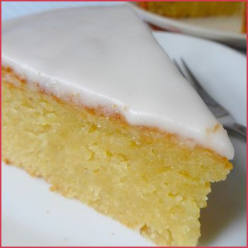 L'amandier ou gâteau fondant aux amandes - if you go onto the website there is a google translation utility to translate the recipe into English, or another language.