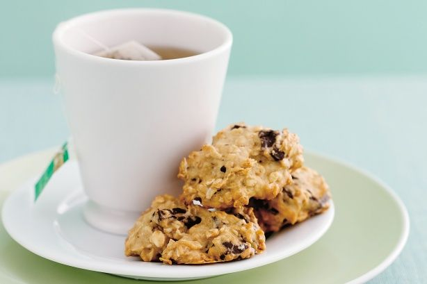 These crunchy chocolate oatmeal cookies are low in fat so munch away without the guilt. #lowfat