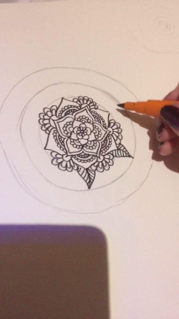 Zen Floral Doodling... - http://www.oroscopointernazionaleblog.com/zen-floral-doodling/