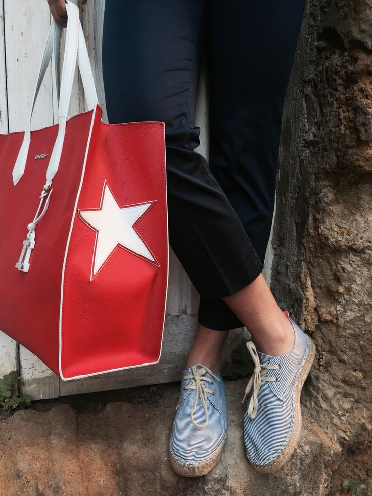 #calabromodaforpinterest #calabromoda #streetstyle #iceberg #bag #abarca #shoes #shoponline #fashion