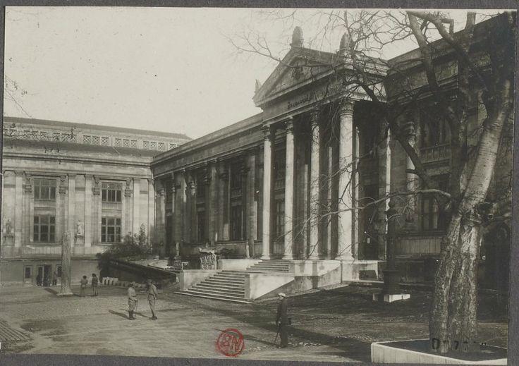 İstanbul Arkeoloji Müzesi- İşgal Dönemi Fransız Askerleri Tarafından 1918′de Çekilmiş Bir Fotoğraf-Gallica