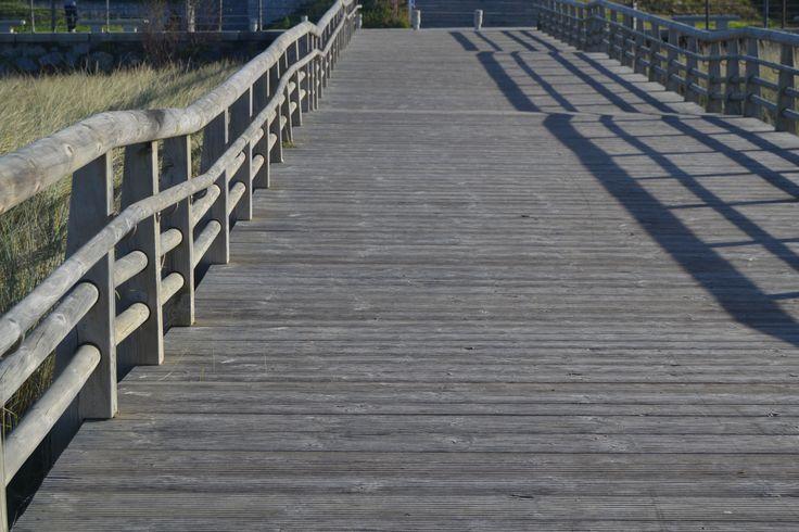 Bajada desde el paseo a la playa de Gorliz