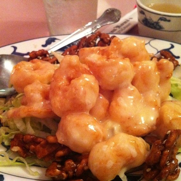 This is THE sweet, white sauce recipe used in Chinese Restaurants. The recipe is shared by the Chef of Typhoon in LA.  The secret is using sugar, instead of honey for the sauce.  It makes a huge difference in the taste: Honey Walnut Shrimp|Chicken Recipe.  We use Coconut Milk and Coconut Cream in place of the Condensed Milk and Water that is called for in the recipe.