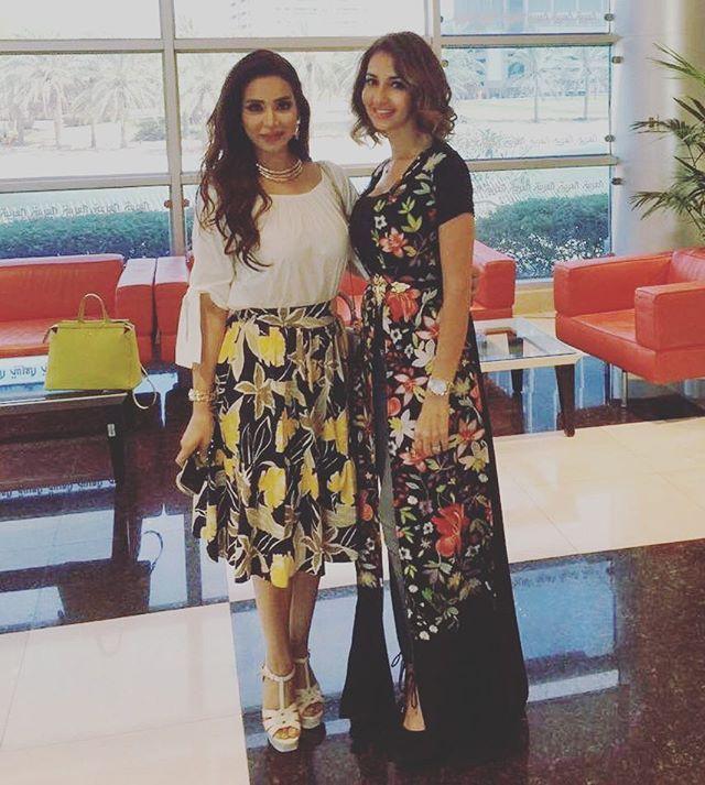 ليست قوية لأنها ناجحة، بل هي ناجحة لأنها تملك إرادة قوية نحو النجاح … #girlspower  @lojain_omran  About yesterday Interview  بنزل مقاطع من المقابلة بعد قليل ❤️ #لجين_عمران #سلمى_بنعمر #sbcreation Luxury  #caftan #celebrity  #diva  #fashion #style #stylish #outfitoftheday #instafashion #swag #dress #styles #outfit #purse #jewelry #shopping #glam  #hautecouture #handmade #cape