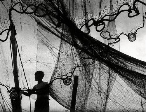 Fosco Maraini: Fisherman With Nets On The Sea Of Japan, 1953