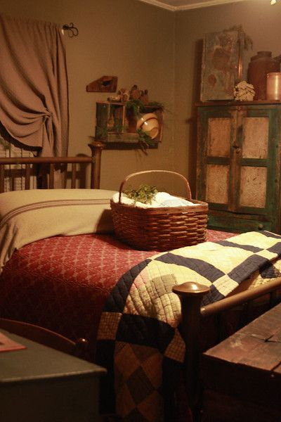 FARMHOUSE – INTERIOR – a primitive bedroom with old quilts and a pie safe,  nice curtain decor. - 215 Best Primitive Bedrooms Images On Pinterest Primitive Decor