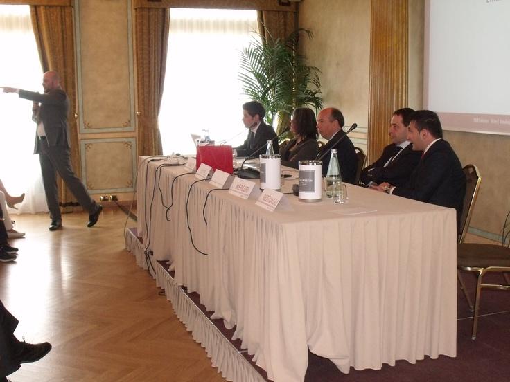 Linkedin's Case Histories - Fabio Rezzoagli, Enterprise Account Executive Linkedin Italia.. chi di voi non ha un profilo su Linkedin? ...e uno solo ha alzato la mano!