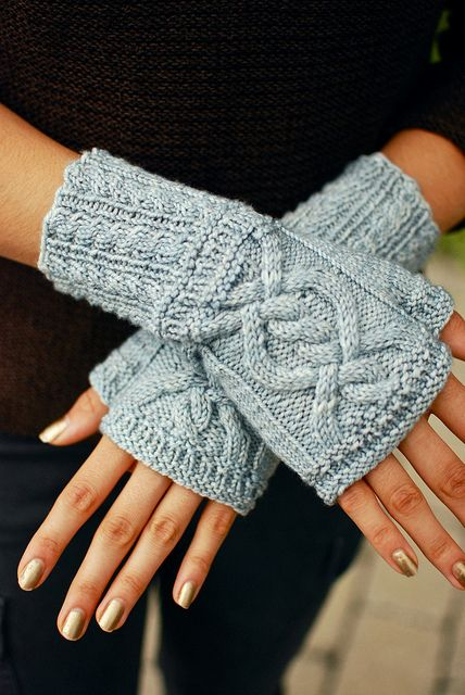 Twizz Mitts by Kirsten Kapur