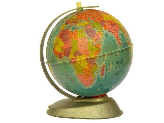 Vintage World Globe Desk Lamp Illuminated Map Globe Lamp Etsy Globe Lamps World Globe Globe