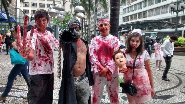 Zumbis de Curitiba se preparam para caminhada na Boca Maldita +http://brml.co/1BfyPGh