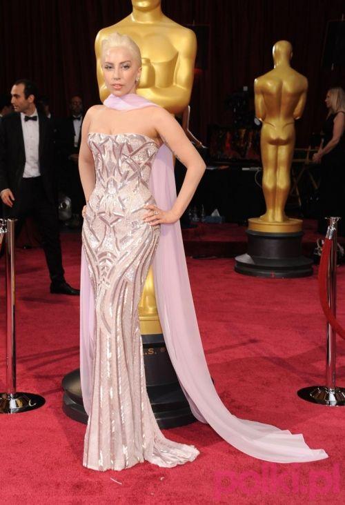Oscary 2014: Lady Gaga w sukience Atelier Versace. Awangardowa suknia ślubna? Tylko dzięki takiej inspiracji!