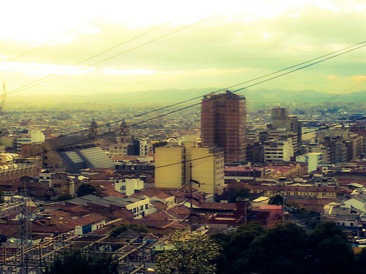 Nadie tomando una foto de casi nada Bogota Paisaje Urbano