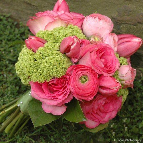 Viburnum vert compositions florales d co tables for Petites compositions florales pour table