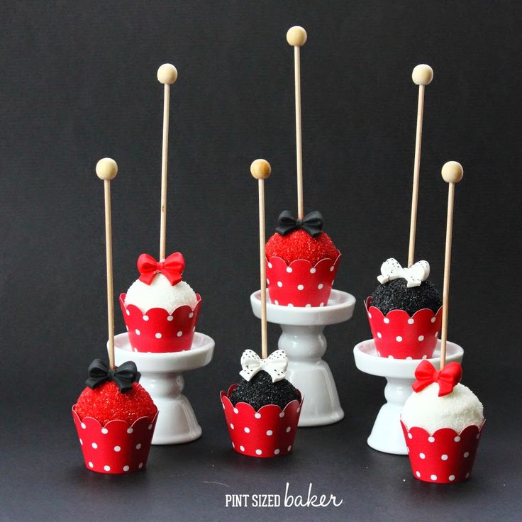 24 best cake pops images on pinterest cake pop cakepops and birthdays. Black Bedroom Furniture Sets. Home Design Ideas