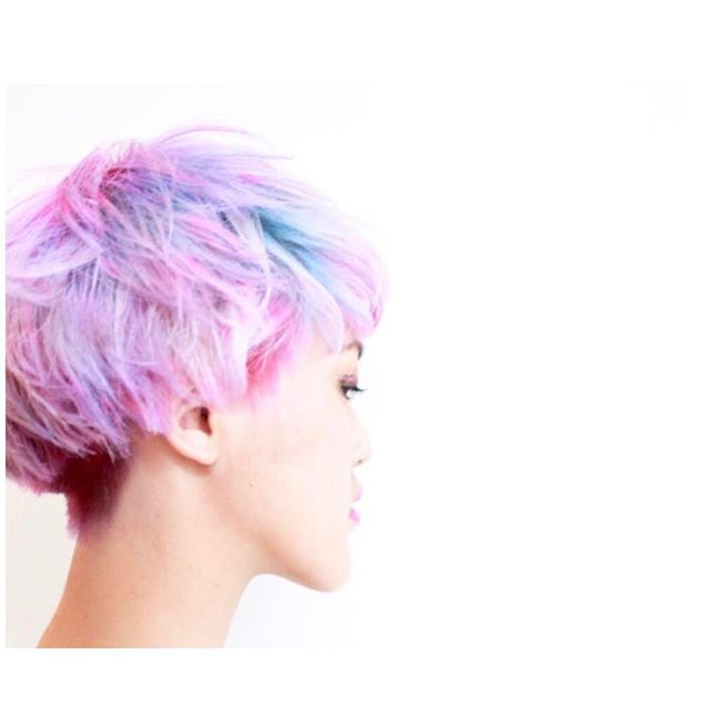 WEBSTA @ jooji99 - サイドビュー。_#haircolor#헤어스타그램#염색#헤어스타일#뷰스타그램 #헤어스타일#미용실#염색#ハイトーンカラー#ホワイトブリーチ#ブリーチ#ダブルカラー#manicpanic#hair#マニパニ#colorful#セクションカラー#インナーカラー#pastelcolor#セクションカラー#photo #portraits