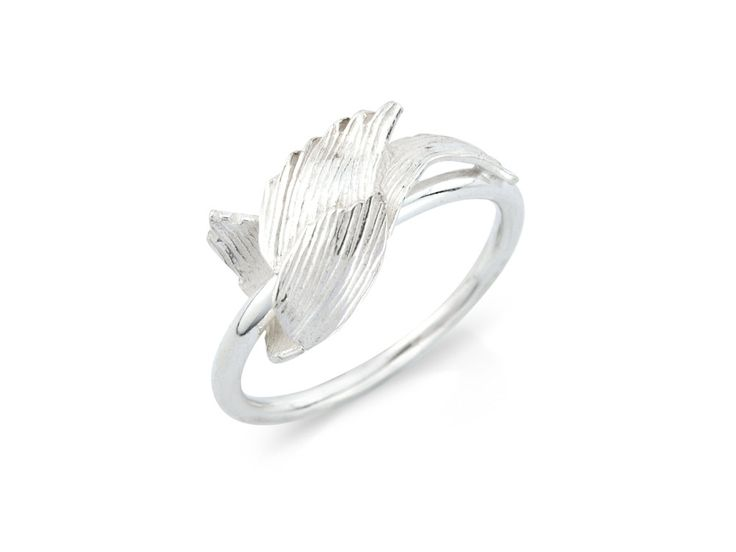 Svan ring - Svanur or The Swan is an idea born in one of these vacations. Guðbjörg watched these majestic birds and admired the contradictions in them. #Jewellery #Design #Icelandic #Iceland #Aurum
