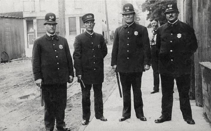 mandanhistory.org 1908 Mandan Police Department Employees
