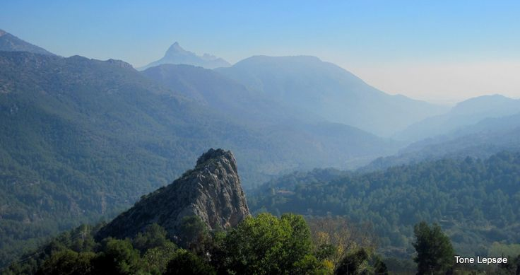 Guadalest, Spain. TONE LEPSOES PICTURES.