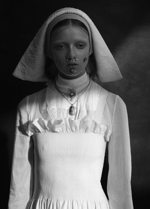 Necklace by Goldpoets. Clara Mcnair by Léa Nielsen for Vogue Italia.