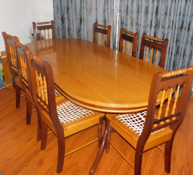 Yellowwood And Imbuia Dining Room Set Other Gumtree