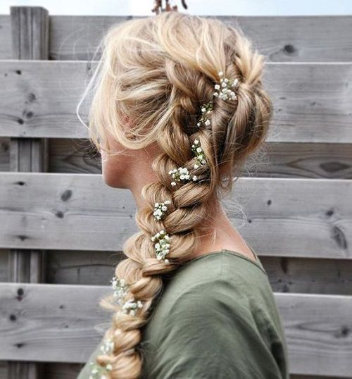 loose+curly+braid+with+rose+buds+for+prom