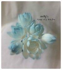 주문제작 북한남갤러리 의뢰 (후비첩순환에센스) 연꽃                                                    lotus Korean Paper,Hanji Flower  (Requested by North Hannam Art Gallery)                           #조화공예 #종이꽃 #페이퍼플라워 #한지꽃 #아트플라워 #조화 #조화인테리어 #인테리어조화 #인테리어소품 #에바폼 #디퓨저 #주문제작 #수강문의 #광고소품 #촬영소품 #디스플레이 #artflower #koreanpaperart #hanjiflower #paperflowers #craft #paperart #handmade #연꽃